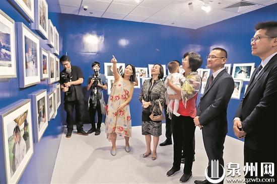 蔡文悠摄影展在澳门拉开序幕 见证蔡国强从泉州走向世界