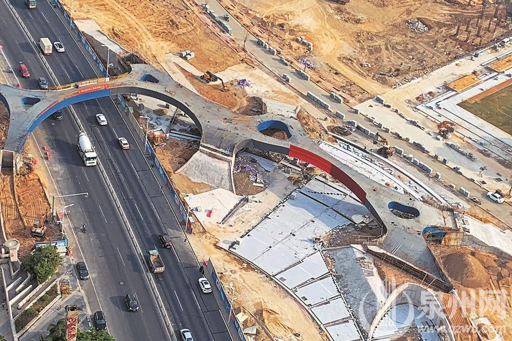 泉州市区北滨江公园浦西园人行天桥预计明年春节前完工