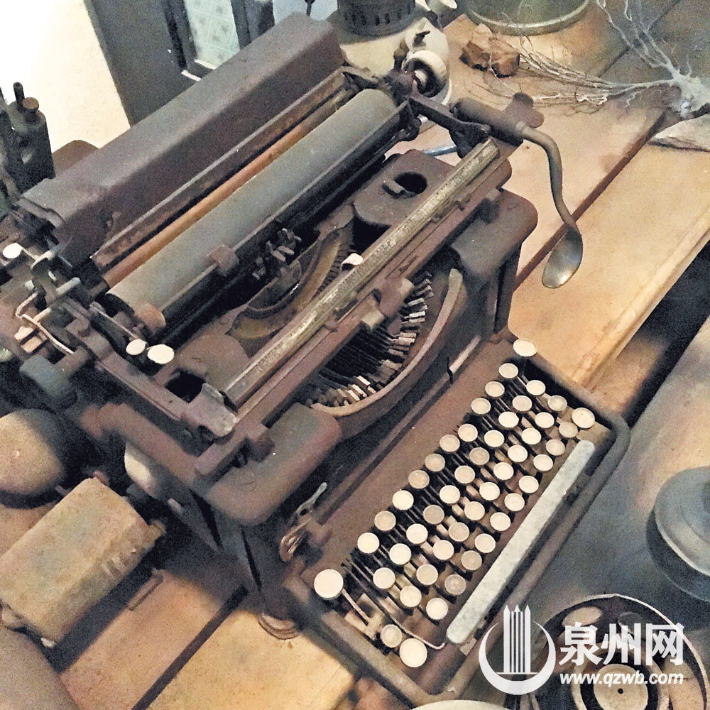 晋江深沪一位村民家中收集数万件老物件