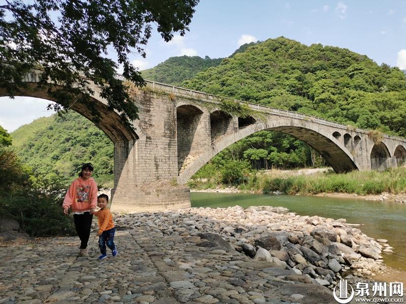 清新德化 水口镇村场村石柱自然角落