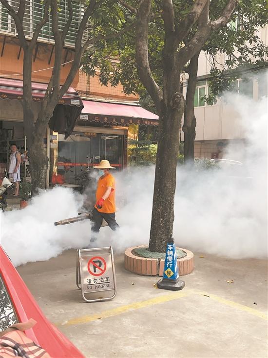 泉州在全市范围内开展夏季灭蚊与环境卫生清洁统一行动