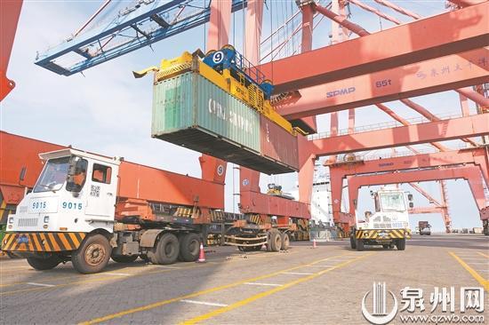 石湖港再传好消息!外贸进口荒料石业务创历史新高