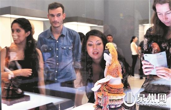 德化白瓷艺术展在国家博物馆开幕