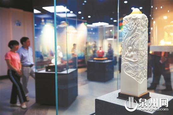 德化瓷作为泉州工艺美术的杰出代表,去年在金砖国家领导人厦门会晤中贡献了15件国礼瓷。