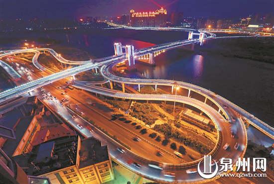 相机组三等奖 《田安大桥夜色迷人》 (王柏峰 摄于浦西安置房)